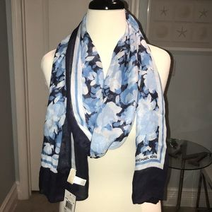 Michael Kors spring 18 NVY scarf NWT
